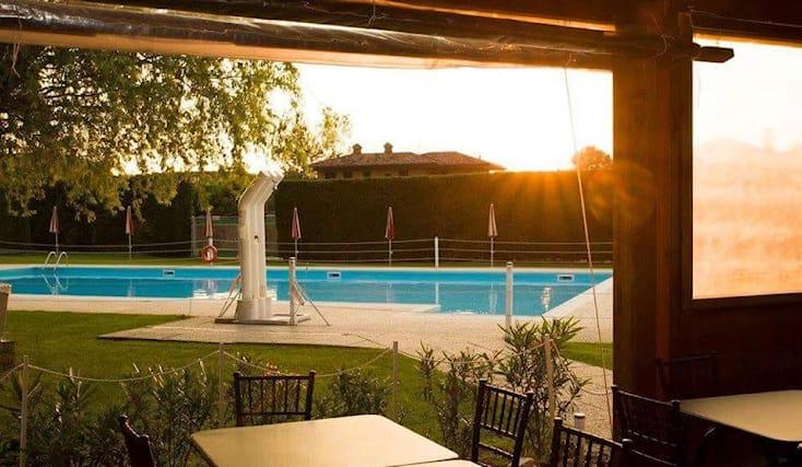Ingresso-piscina-pranzo_160365