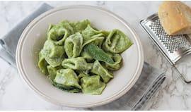 Tortellini di pasta verde