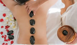 Regalo hot stone massage!