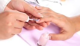 Manicure e smalto normale