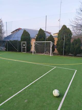 Campo-calcio-a-5-per-2ore_172211