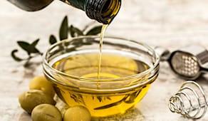 Bottiglia olio evo italia