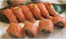 Tutto salmone 30pz wasabi