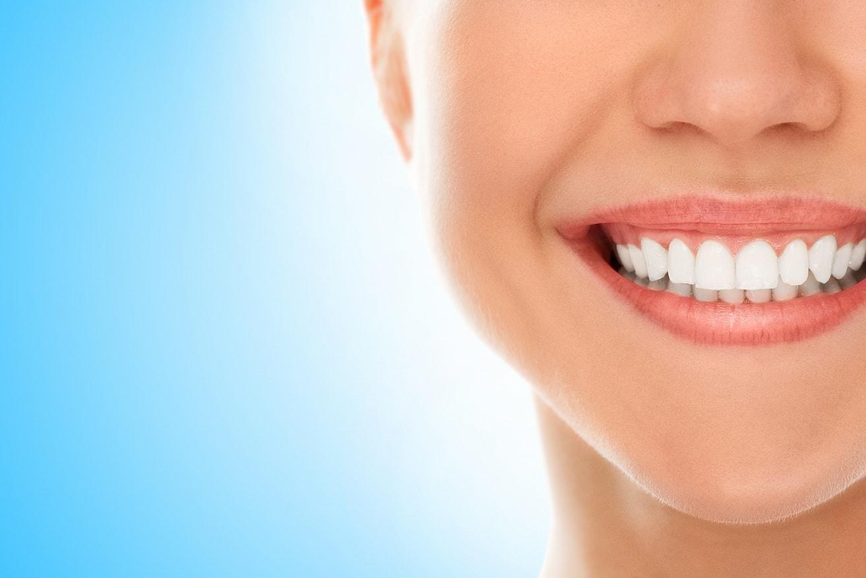 Visita odontoiatrica con pulizia dei denti, ablazione del tartaro e smacchiamento a SOLI 34,90€ anzichè 85€