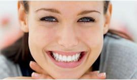 Pulizia denti biondo
