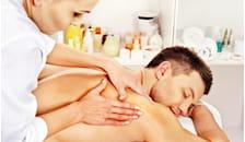 Massaggio schiena decontratturante e rilassante in aromaterapia -55%