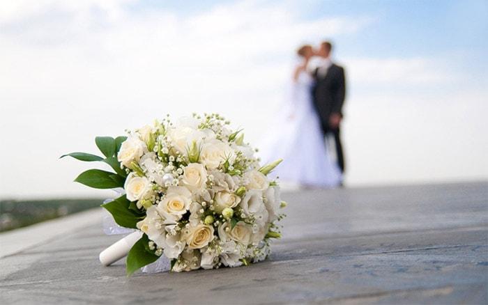 NOZZE DA SOGNO!! Scaricando il nostro buono usufruirai: 10% di sconto su ns consulenza, OMAGGIO Bouquet da lancio e coni riso, 200€ sconto abito sposa