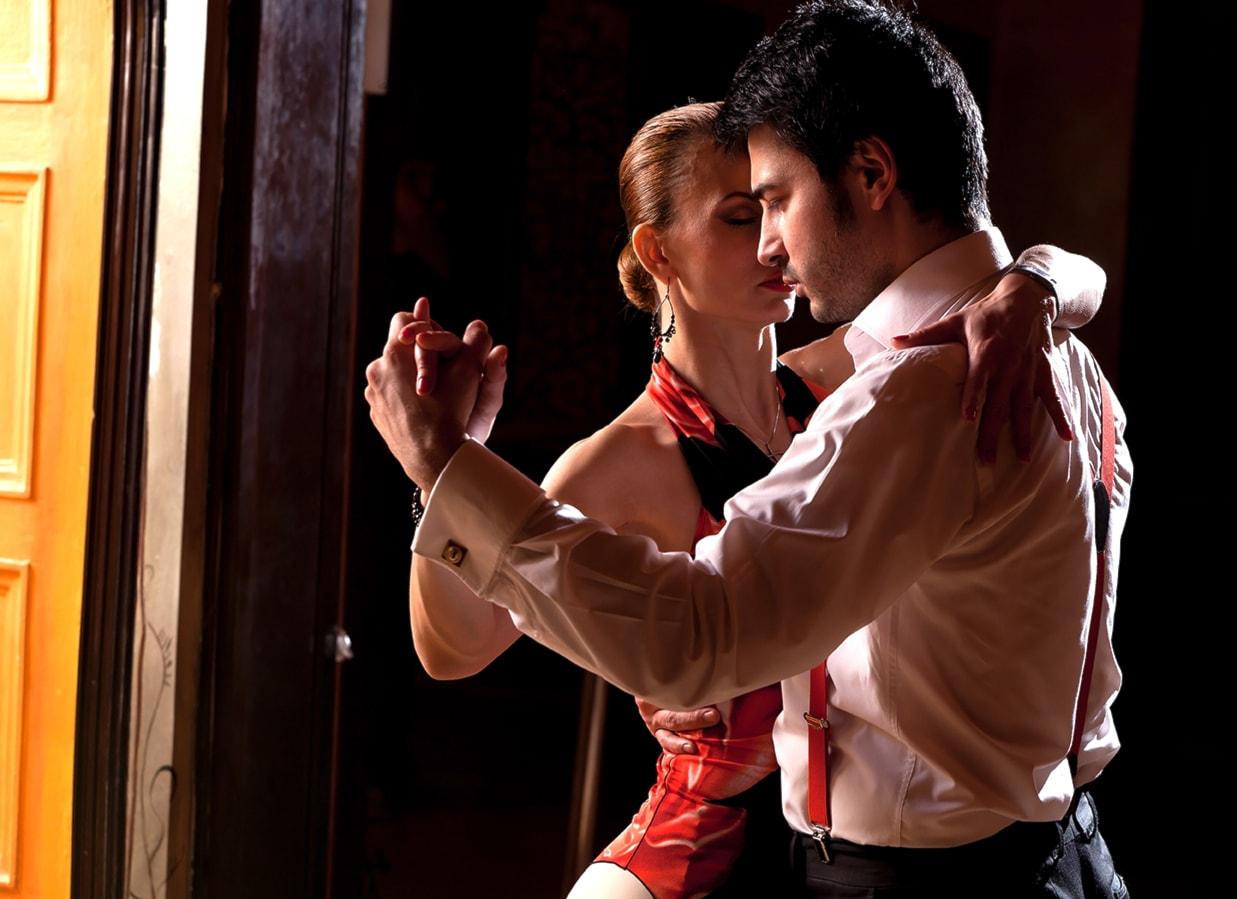 corso di tango o danza del ventre a 19 euro anzichè 150