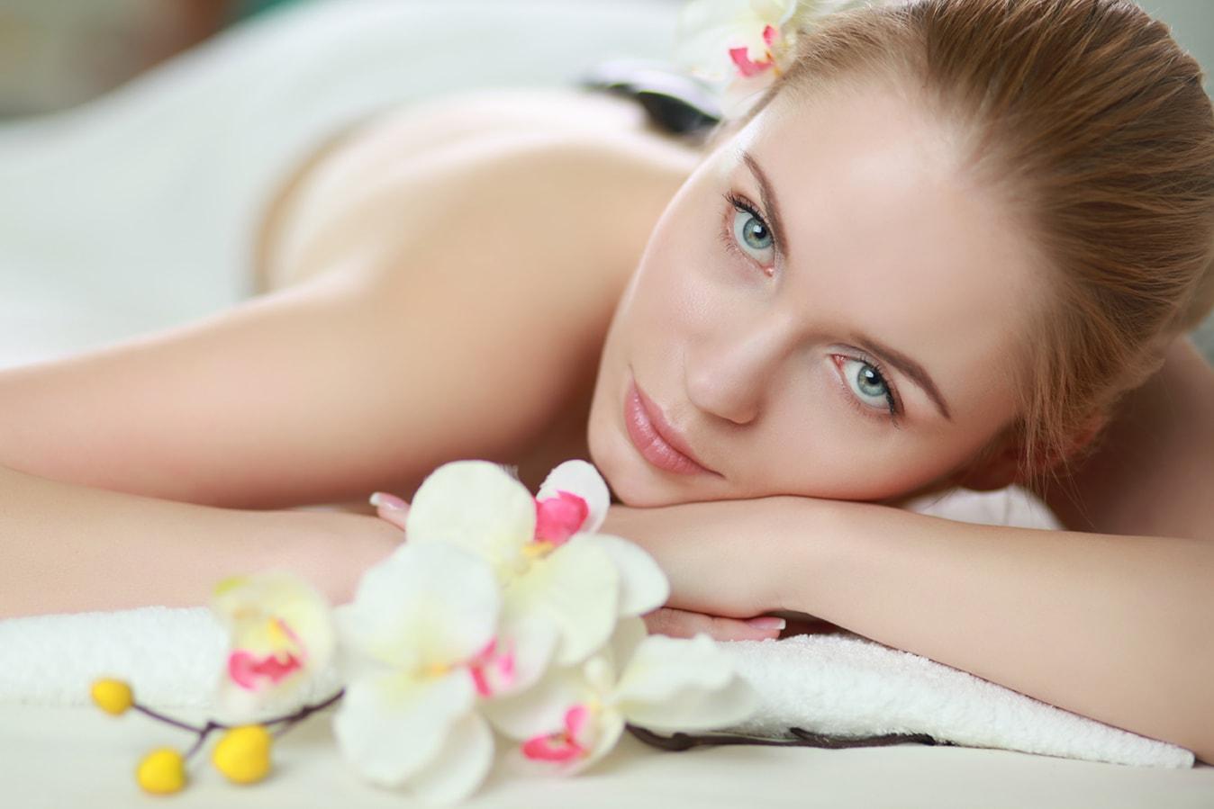 massaggio olistico rilassante più tecnica di riequilibrio dei chakra