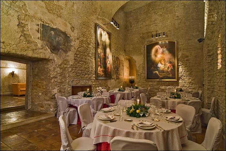 Offerta di ingresso piscina cena x2 a roma spiiky for Cena in piscina