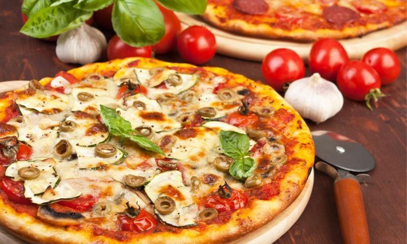 menù pizza completo per 2 persone a soli 15€ anzichè 35€ alla trattoria i sapori di formigine