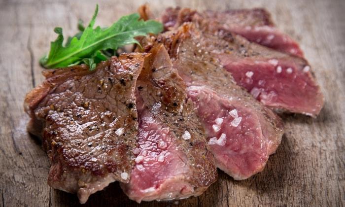 Menu con 1 kg di tagliata di carne, antipasto e dolce più calice di vino A SOLI 32€ PER 2 ANZICHè 90€