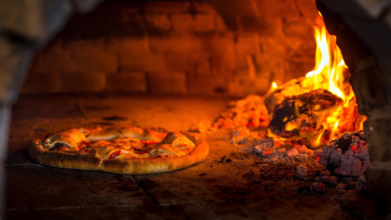 """menù pizza per 2 persone """"da pulcinella"""" di casinalbo con impasto normale o integrale"""
