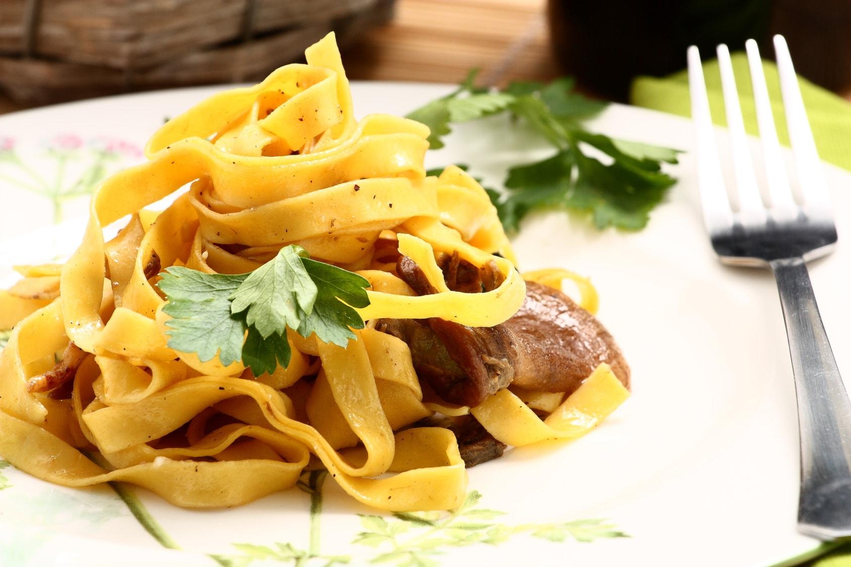 menù modenese con antipasto a buffet, primo, secondo, acqua e vino a soli 29,90€ per 2