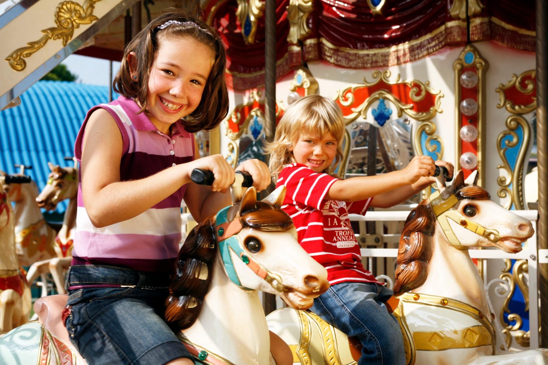 Biglietto d'ingresso per il parco divertimenti di Fiabilandia valido per 2 adulti e 1 bambino a 53€ nei giorni di sabato e festivi !