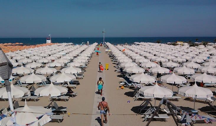 Offerta di 2lettini+ombrellone+gym a Rimini   Spiiky