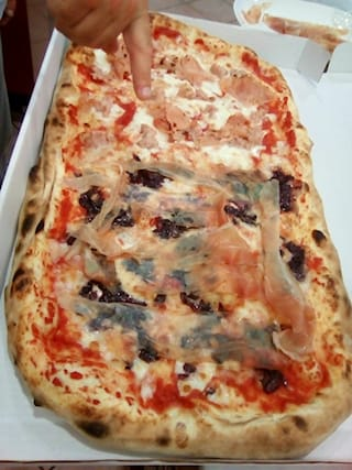 Pizza-al-metro_97907