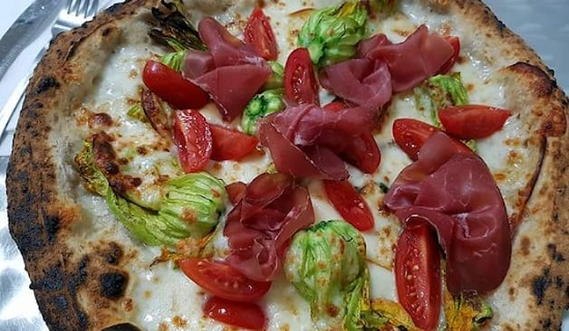 Pizza x2 posto accanto