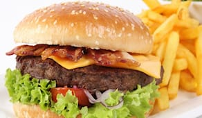 Hamburger,fritto e bibita