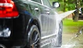 Lavaggio auto 8 €