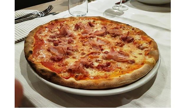 Pizza loco restaurant