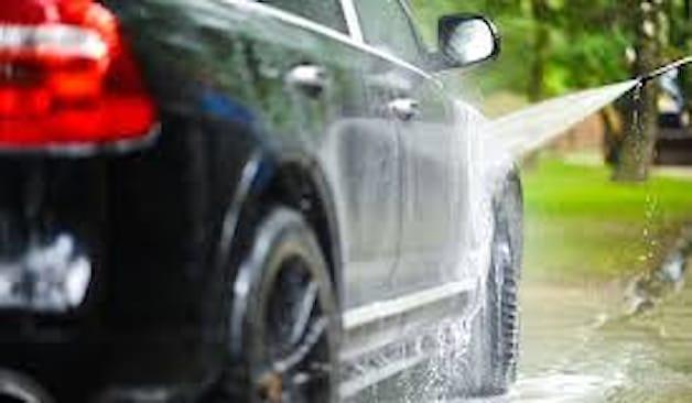 Lavaggio auto media