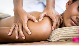 Massaggio, scrub e mani