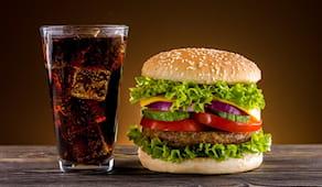 Pranzo hamburger e bibita