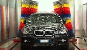Lavaggio auto esterno