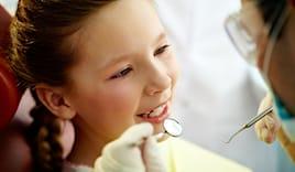 Pulizia denti bimbi