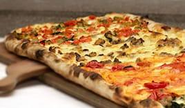 Mezzo metro di pizza 14€