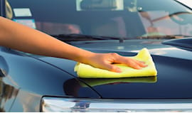 Lavaggio esterno auto €5