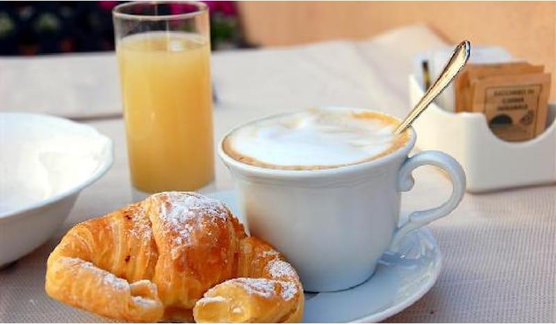 COLAZIONE ALLO STAR CAFFÈ