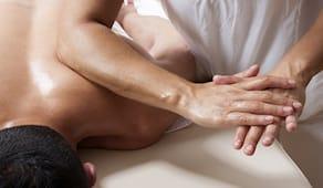 10 massaggi fisioterapici