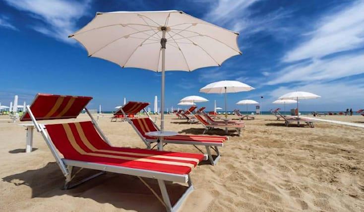 Spiaggia-nel-weekend_156734