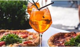 Spritz, pizza e bevanda