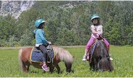 Giro su pony + merenda